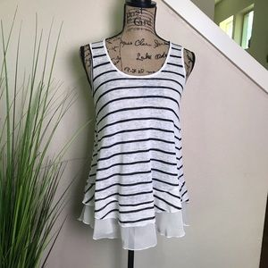 Adorable tank from American rag, black and white